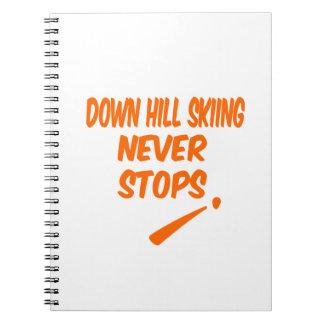 Abajo la colina que esquía nunca para libro de apuntes