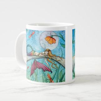 Abajo por el arte de la libélula de la sirena de taza de café grande