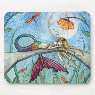 Abajo por el arte de la sirena de la charca mouse pads