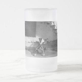 Abandonado - ido detrás taza de cristal