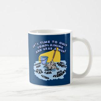 Abandone el quejarse y asga las camisetas de una f tazas de café