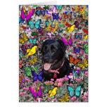 Abby en mariposas - perro negro del laboratorio felicitacion