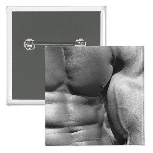 Abdomen y bíceps definidos pins