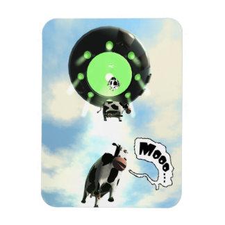 Abducción de la vaca del UFO Imán De Vinilo