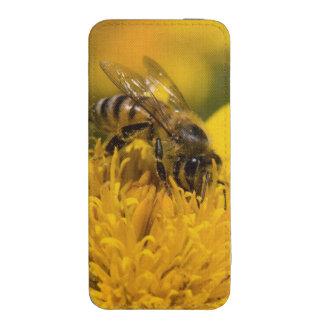 Abeja africana de la miel con la alimentación de funda para iPhone 5