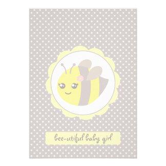 Abeja amarilla y gris del bebé
