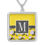 Abeja amarilla y negra elegante collar personalizado