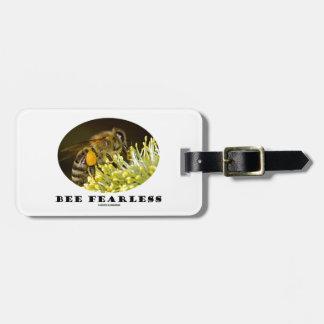 Abeja audaz (abeja en la flor amarilla) etiquetas de equipaje