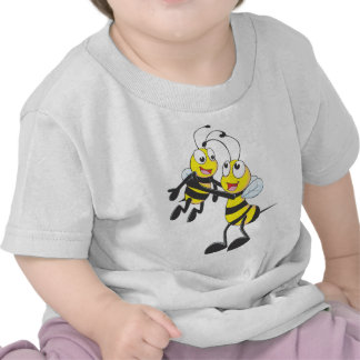Abeja de encargo del padre que lleva a su hijo camisetas