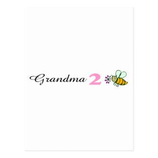 Abeja de la abuela 2 postal