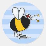 abeja de trabajador - enfermera pegatina redonda