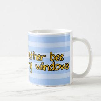 abeja de trabajador - limpiador de ventana taza básica blanca