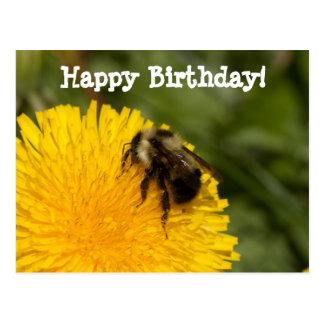 Abeja de trabajador linda; Feliz cumpleaños Tarjeta Postal