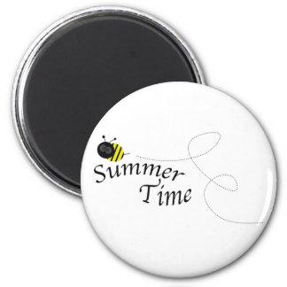 Abeja del tiempo de verano imán redondo 5 cm