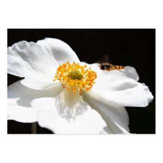 Abeja en la flor tarjetas de visita grandes