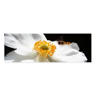 Abeja en la flor tarjetas de visita mini