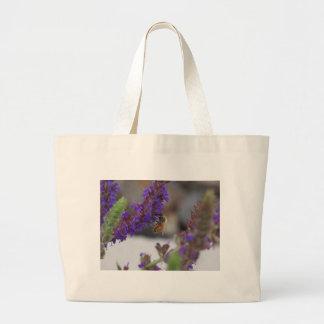 Abeja en Salvia