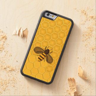 Abeja en un caso de madera real del iPhone del Funda De iPhone 6 Bumper Arce