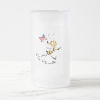 Abeja patriótica taza de cristal