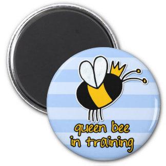 abeja reina en el entrenamiento imán de nevera