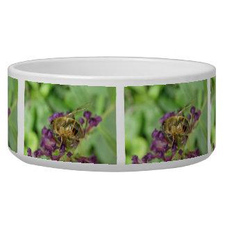 Abeja y cuenco púrpura del perro de las flores comedero para mascota
