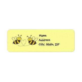 Abejas de la miel con el corazón etiquetas de remite