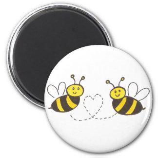Abejas de la miel con el corazón imán redondo 5 cm