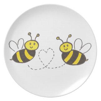 Abejas de la miel con el corazón platos para fiestas