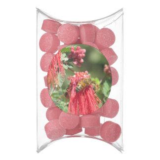 Abejas en la flor rosada