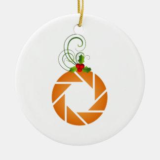 Abertura anaranjada con la puntilla del mirto adorno redondo de cerámica