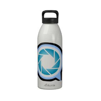 Abertura de la fotografía en el alfabeto Q Botellas De Agua Reutilizables