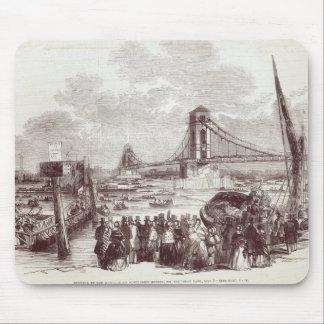 Abertura de puente colgante de Hungerford Alfombrillas De Ratón