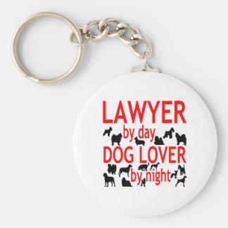 Abogado del amante del perro del día por noche en llavero personalizado