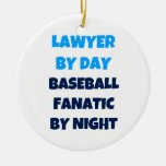 Abogado del fanático del béisbol del día por noche ornaments para arbol de navidad