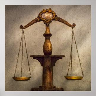Abogado - escala - justo y apenas impresiones