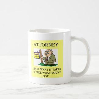 abogados y chiste de los abogados taza