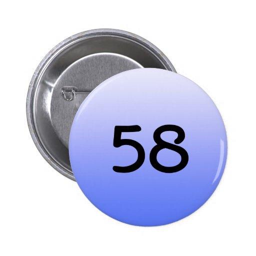 abotone alrededor del número azul cincuenta y ocho pin