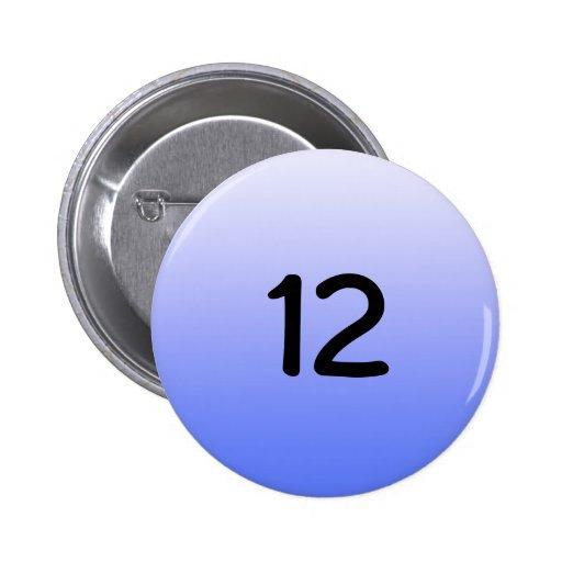 abotone alrededor del número azul doce pins