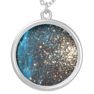 Abra el cúmulo de estrellas NGC 1850 en la Colgante Redondo