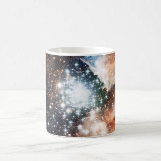 Abra el cúmulo de estrellas NGC 3603 en la Taza Clásica