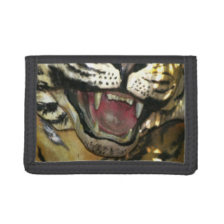 Abra la estatua de la boca del tigre