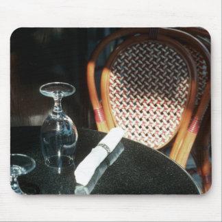 Abra la tabla para la cena tapete de ratón
