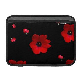 Abra los tulipanes rojos en la manga negra funda para macbook air