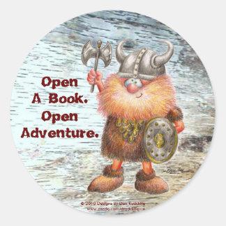 Abra un libro.  Abra la aventura Pegatina Redonda