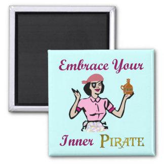 Abrace a su pirata interno imán cuadrado