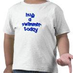 Abrace a un nadador hoy camiseta