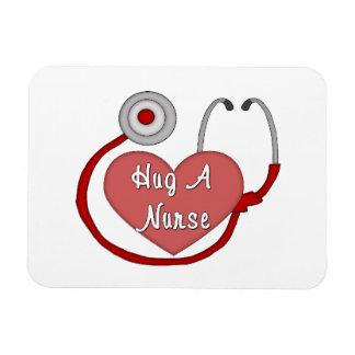 Abrace a una enfermera imán rectangular