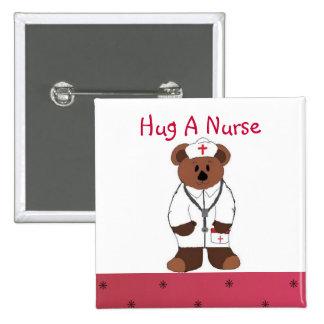 Abrace a una enfermera pin cuadrado