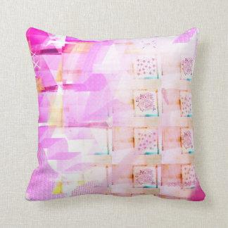 Abrace su lado rosado almohadas