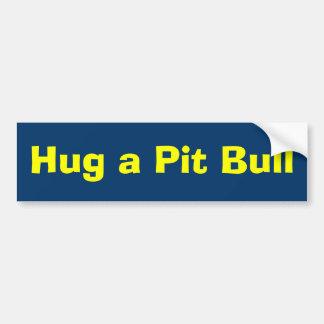 Abrace un pitbull pegatina de parachoque